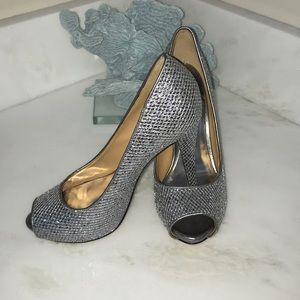 Sz 7.5 Badgley Mischka Silver Sparkling heels 👠